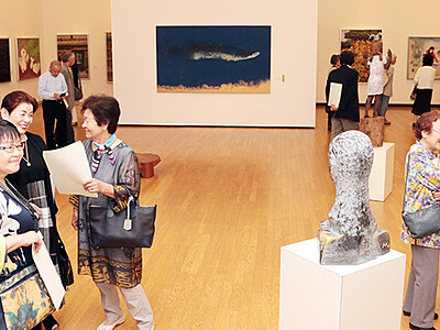 となみ野美術展開幕、132作家が意欲作 砺波市美術館