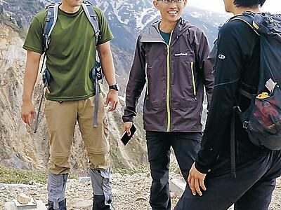 白山に外国人 登山客が3年で1・5倍に増