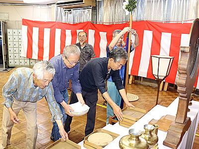 ご神体迎える祭壇設営 高岡金屋町御印祭