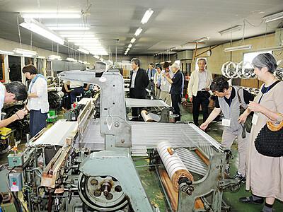 南砺の「絹遺産」巡る 県内外50人風土を理解
