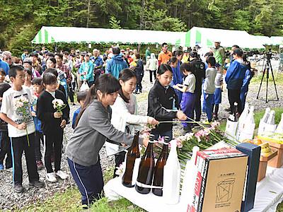 南ア・北沢峠で「長衛祭」 夏山の安全願う