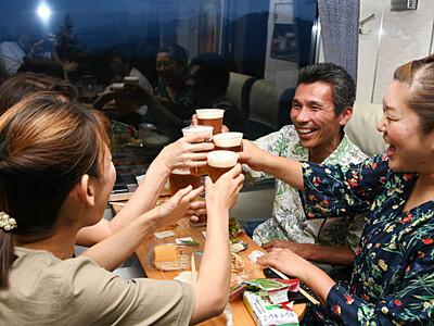 なじみの風景、ほろ酔い「旅」 長野電鉄ビアトレイン