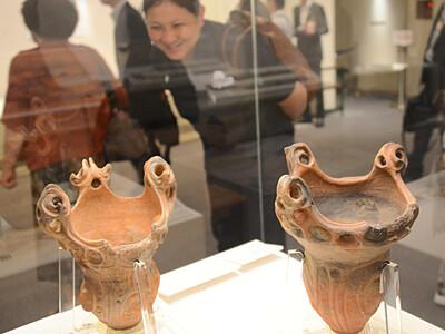 斧形石器や翡翠製勾玉...厳選25品 千曲の県立歴史館が公開
