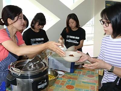 イカした味で盛り上げよう 「佐渡汽船カレー」 新潟