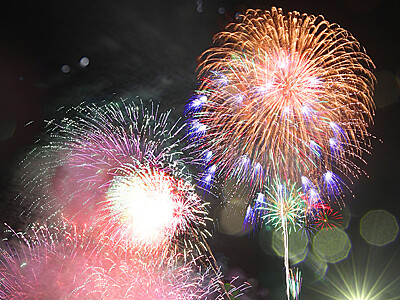 千発の花火、夜空彩る 滑川・龍宮まつり