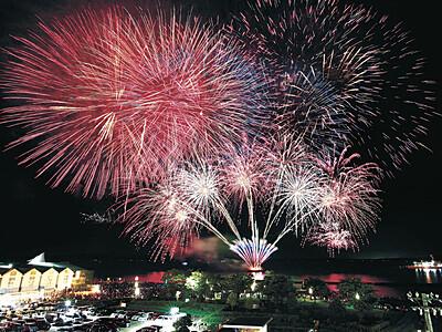 迫力の大輪、新時代祝う 北國花火七尾大会