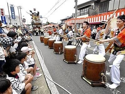 金津祭、人形山車3基で熱気 宿場町に太鼓、お囃子響く