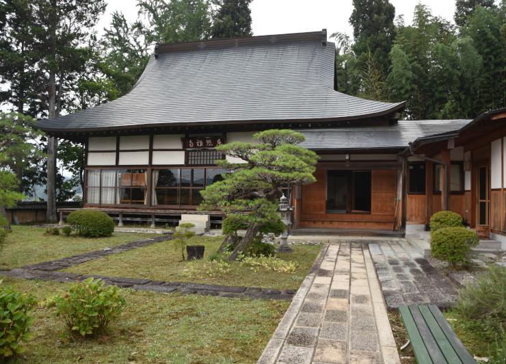 「ご朱印ライド」で巡る寺の一つ、東照寺=飯田市龍江