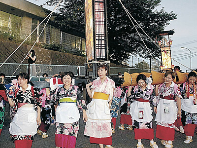 女キリコ乱舞、漁師町活気 志賀・西海祭り