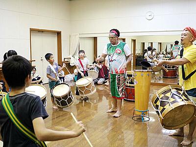 体感 ブラジルのリズム 23日開幕「スキヤキ」で披露 福野 中学生 練習に熱