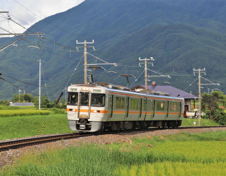 貸し切り臨時列車を走らせるJR飯田線