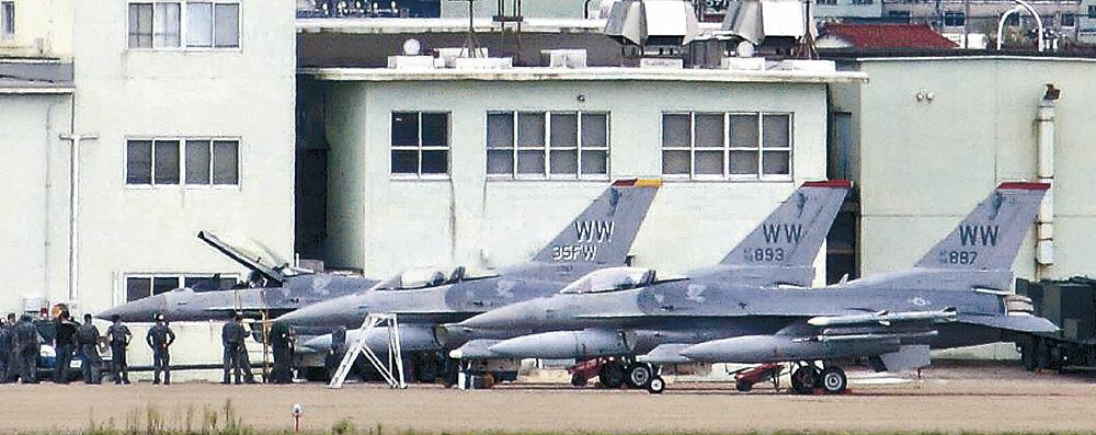 2017年10月、小松基地に緊急着陸した米軍三沢基地のF16戦闘機