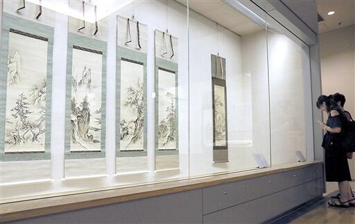 四季山水図(左からの4幅)など岡倉秋水の作品=福井県福井市立郷土歴史博物館