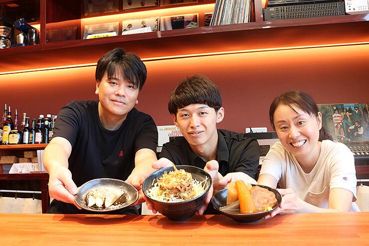 PONPOKOの大沢野丼(中央)とおでん(右)