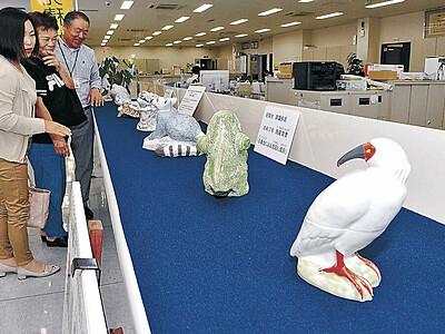 JA本店で九谷焼展示 若手作家を支援