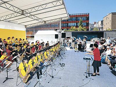 ジュニアバンド、若さ躍動 金沢ジャズストリート