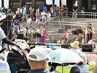 秋の六呂師に響くヨーデル 大野で音楽祭開幕