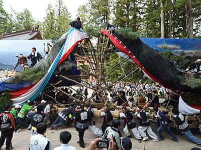 山車の激突、迫力に沸く 安曇野・穂高神社「御船祭り」