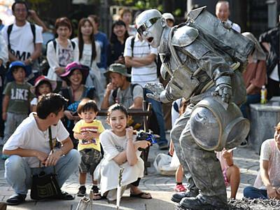 個性光る路上、多彩な芸 松本の大道芸で34組披露
