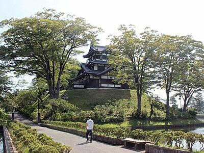上越市、検討を本格化 「高田城址公園」に変更へ