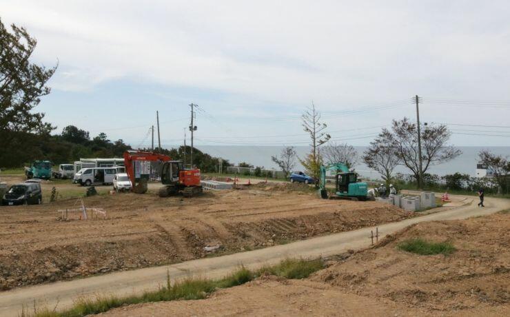 日本海が一望できる「汐見台」で進む駐車場や道路整備の工事=長岡市寺泊二ノ関