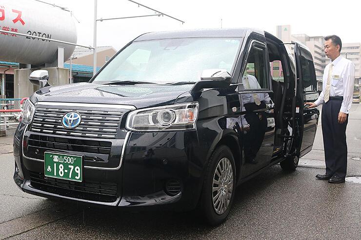 県内で導入が進んでいるジャパンタクシー=富山交通