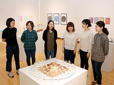 画塾仲間で作品展 小矢部で女性作家6人