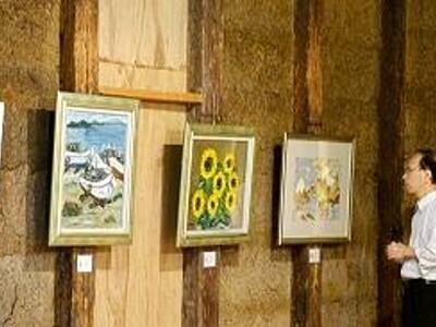 嶺南、京都の作家14人の作品展 写真、絵画、造形など