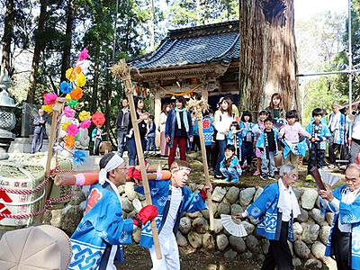 改修祝い「やらやら」 高岡の頭川神社