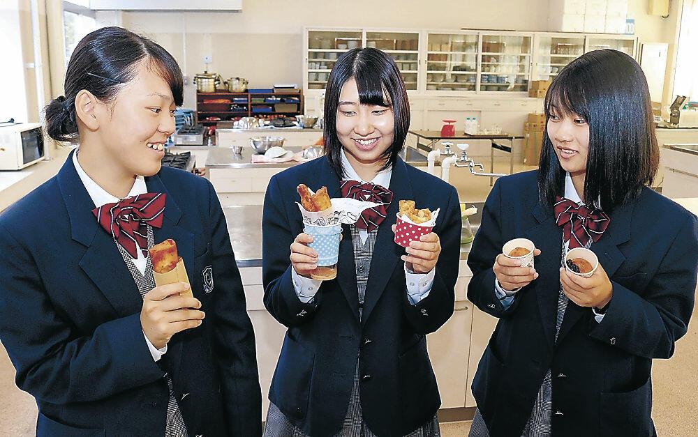 特産の大浜大豆のおからで仕上げた春巻きとパウンドケーキ=飯田高