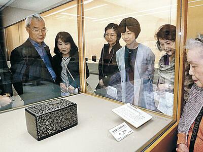 日本伝統工芸展金沢展開幕 人間国宝9氏ら342点