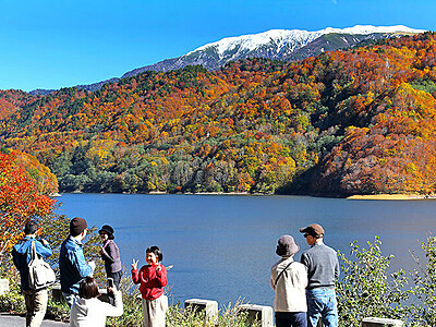 色彩豊か 有峰湖