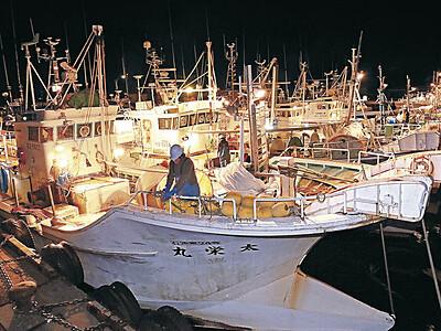 カニ漁、石川県内の漁港から100隻出港 6日水揚げ、7日店頭に