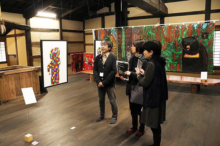 勝興寺を舞台に独創的な作品が並ぶ展覧会