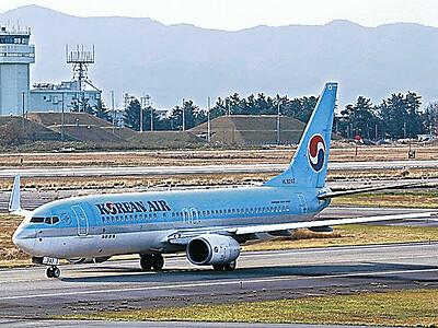 小松-ソウル便が再開 7週間ぶり、搭乗率7割