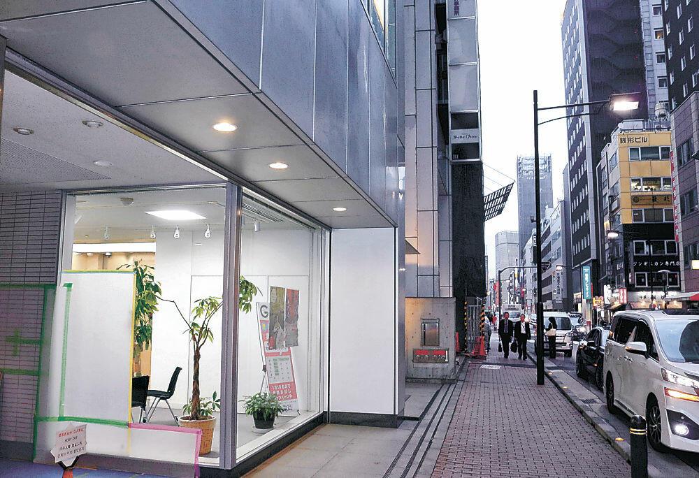 輪島市のショールームが入るガラス張りのスペース=東京・銀座