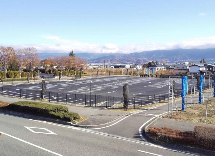 30日に利用が始まる松本空港の第2駐車場