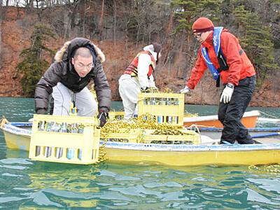 猪名湖で熟成「湖底浪漫」 小海で日本酒沈める