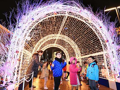 富山の冬を光で彩る スノーピアード開幕