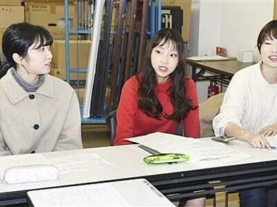 Xマス服飾ショー見て 福井で15日、大学生企画