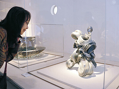 ガラス工芸の潮流示す 能登島で国際展