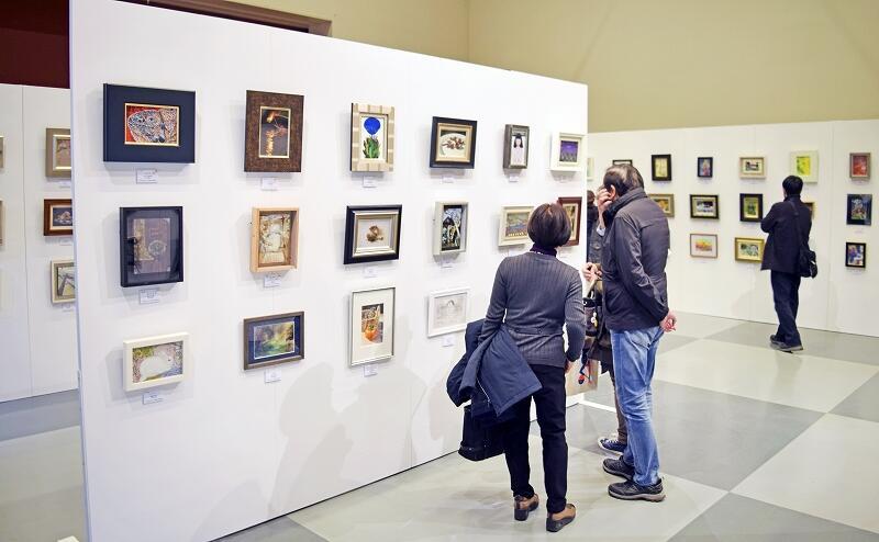 力作が並ぶFUKUIサムホール美術展=12月7日、福井県あわら市金津創作の森美術館