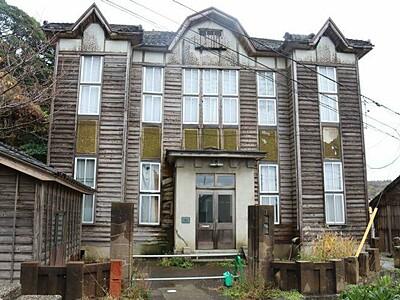 歴史的風致計画案承認 旧相川税務署活用、街路灯の整備