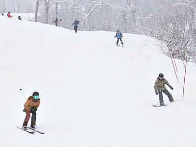 新雪ふかふか、待望の営業スタート 野沢温泉スキー場