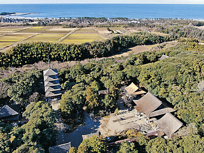 妙成寺三光堂 40年ぶり屋根ふき替え