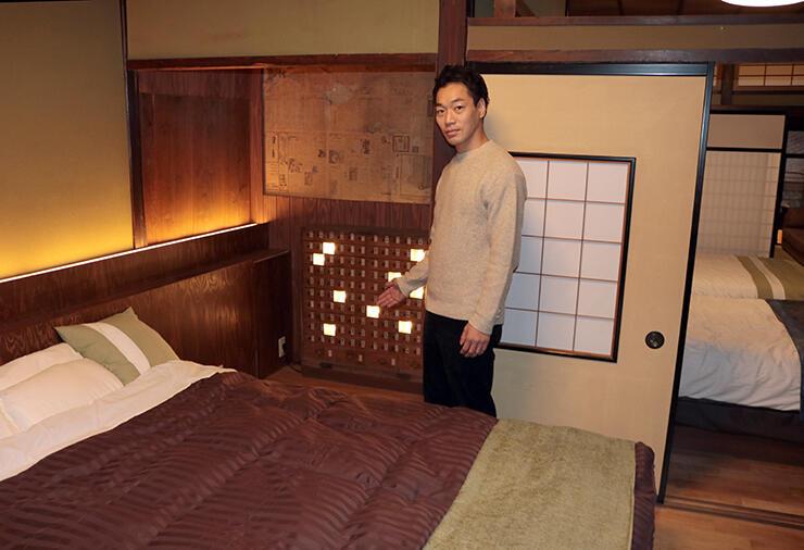 薬箱を照明器具にするなど売薬宿屋「山キ」は泊まれる資料館がコンセプト