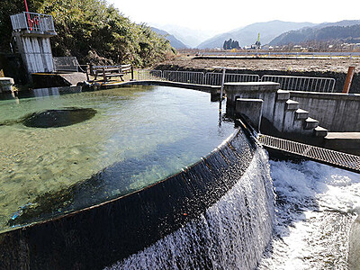 公園整備し魅力アップ 魚津の東山円筒分水槽