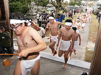 奇祭「酒とり祭」来年から4月第4日曜に 小矢部・下後亟