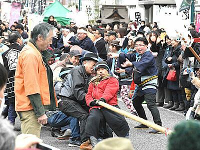松本あめ市「塩取合戦」 最後は武田軍に軍配
