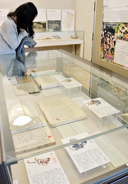 人気ゲームにちなんだ福井の城や刀剣の資料展=福井県文書館